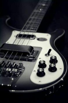 Rickenbaker bass