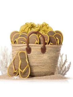 Un regalo super practico para los invitados a una boda en la playa.  SANDRA Y VERONICA WEDDING PLANNERS