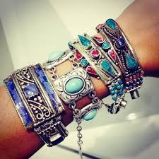 Resultado de imagem para tendencias 2018 moda bijuterias