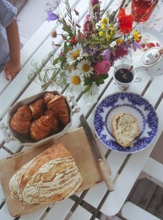 """Edita """"Foodjunkie"""" Renlund - Page 12 of 553 - Just another We Are Cube site Summer Dream, Summer Time, Red Cottage, Summer Feeling, Aesthetic Food, Vegan Vegetarian, Cravings, Lunch Snacks, Good Food"""