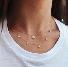 Jewerly necklace simple diamond jewels ideas for 2019 Dainty Jewelry, Cute Jewelry, Jewelry Box, Jewelry Accessories, Fashion Accessories, Jewelry Necklaces, Fashion Jewelry, Jewlery, Fashion Necklace