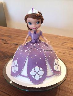 princess sofia the first doll cake cakes princess sofia the first pinterest princesa. Black Bedroom Furniture Sets. Home Design Ideas