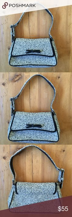 Stuart Weitzman Hand Bag Great bag wonderful for fall and winter in great condition nice basic 15 in long 12 in wide 7 in deep Stuart Weitzman Bags Shoulder Bags