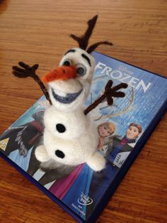 Needle felted snowman 'Frozen'.   Chinara D