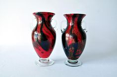 These vases are hand blown! Check them out here: http://www.transitionsquad.com/item_details.php?clid=1613&itid=387