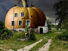 The pumpkin house by ~Gutalin. Bet I could make a cool fairy house for a container garden that looks like this. dollhouse parts and one of those lifelike foam pumpkins. Unusual Buildings, Interesting Buildings, Amazing Buildings, Small Buildings, Glamping, Shack House, Wallpaper Fofos, Pumpkin House, Crazy Houses