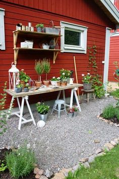 Best Potting Bench Ideas #bench #pottingbenchideas #pottingbench