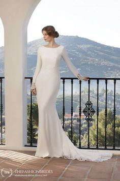 Wedding Gown Guide: Mermaid Soft Construction – The FashionBrides Anna Campbell, Estilo Boho Chic, Bridal Looks, Wedding Styles, Wedding Dresses, Vogue, Classy, Gowns With Sleeves, Elegant