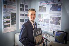 O canadense William Gadoury, de 15 anos, pode ter feito história ao descobrir uma cidade maia até então desconhecida a partir da observação das estrelas e com a ajuda do Google Maps.