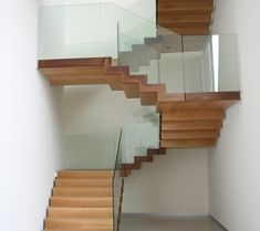 Scala autoportante con finitura in cor-ten - Idealferro Stairs, Shelves, Tiny Houses, Wood, Interior, Google, Home Decor, Houses, Staircases