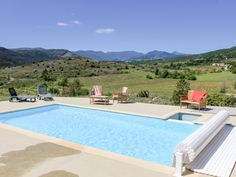 Enjoy a cottage holiday at Le Viticole. This charming stone built property enjoys a shared swimming pool where you can take in the stunning panoramic views of the surrounding rural landscape. Outdoor Swimming Pool, Swimming Pools, Dog Friendly Holidays, Dog Friends, Provence, Landscape, Luxury, Cottages, Building