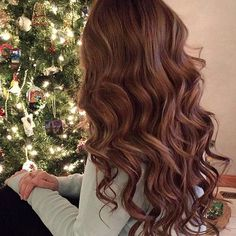 Hair and are both #ChristmasGoals ❤ @alicen.m is wearing her Chestnut Brown @luxyhair to achieve these long and voluminous waves Are you enjoying your holidays so far?
