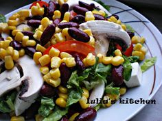 Iulia's kitchen: Salata de legume si branza