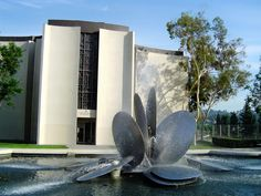 the fountain at Occidental College