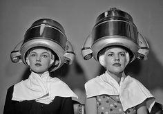 1955 hairdryers... çà rigole pas chez le coiffeur!