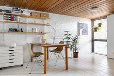 Tyyliä ja tunnelmaa 70-luvun kodissa | Sisustusblogi Outdoor Spaces, Ikea, New Homes, Cool Stuff, Table, Inspiration, Furniture, Home Decor, Desk