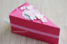 stampin-up-hochzeit-geldgeschenk-tortenstuck-furs-etikett-rhabarberrot-kleine-blute-itty-bitty-akzente-schnipseldesign-1
