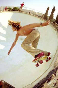 Vintage Skateboarding - Riding The Pool - Road Rider 4's?