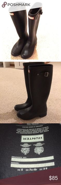 Hunter Black Rain Boots Barely worn!! Hunter Shoes Winter & Rain Boots