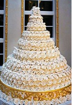 This Fifty Pound Seven Tier Grand Marnier Chiffon Cake Was Served At The Wedding Of Donald Trump And Melania Knauss Created By Mar A Lago Pastry Chef