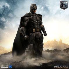 MEZCO ONE:12 COLLECTIVE Tactical Suit Batman Pre-Order