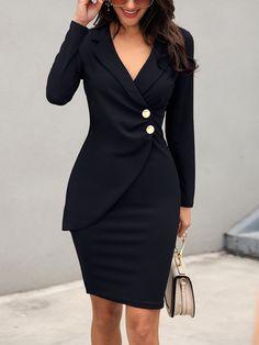 Vestido ajustado con diseño de botones estrujados (S/M/L/XL) $31.99