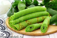 Приготовить яркие весенние шпинатные блинчики можно на молоке или воде. Толщину тоже выбирайте сами - добавьте чуть больше муки и получатся блины потолще.