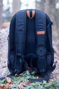 47cb51eae63a Brevite   le sac à dos de tous les jours pour les photographes. Camera  BackpackBackpack ...