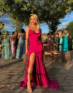 Hot red which is your favor? Pink Party Dresses, Gala Dresses, Cheap Prom Dresses, Pink Dress, Formal Dresses, Wedding Dresses, Story Instagram, Dress To Impress, Beautiful Dresses