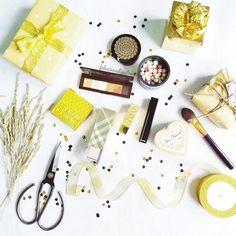 #gold #makeup #guerlain #giftwrapping #polkadot