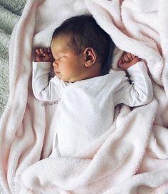 teyze olmaya beş kala bütün gün bebek fotoğraflarına bakmak❤️