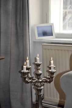 Sonntagsmatinee im Salon in der Zieglergasse 2.März 2014 Chandelier, Ceiling Lights, Curtains, Lighting, Home Decor, Living Room, Candelabra, Blinds, Decoration Home