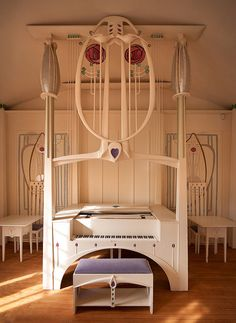 Charles Rennie Mackintosh Margaret Macdonald Mackintosh - The Piano in the Music Room. The House for an Art Lover. Charles Rennie Mackintosh, Design Crafts, Design Art, Studio Design, Mackintosh Furniture, House For An Art Lover, Mackintosh Design, Jugendstil Design, Art Nouveau Furniture
