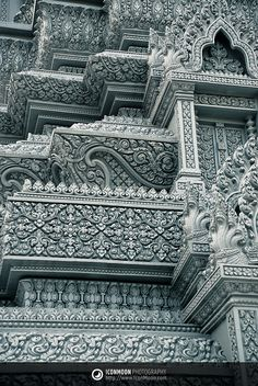 Cambodia Royal Palace, Phnom Penh, detailed architecture luv it Residence Architecture, Temple Architecture, Indian Architecture, Ancient Architecture, Beautiful Architecture, Beautiful Buildings, Beautiful Places, Laos, Phnom Penh