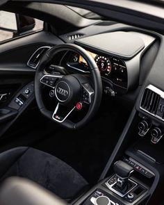 Just beautiful 😍🖤 Audi interior 📷 Audi R8 Convertible, Audi R8 Interior, Audi R8 V10 Plus, Ferrari F12berlinetta, Galley Kitchen Design, Skin Care Cream, Audi Sport, Interior Photo, Top Cars