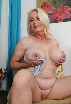 Attractive Granny Porn Photo Album - Amateur Adult Gallery