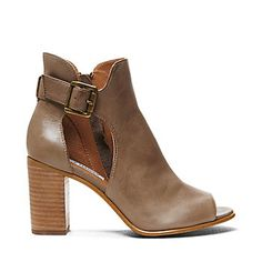 These are really similar to what I'm looking for: Steve Madden NEXTSTAR