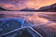 Canada - Abraham Lake in Alberta_Winter