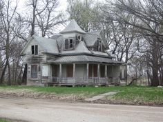 Inside Old Abandoned Mansions | found this old abandoned house for sale in Bee, Nebraska. (Not to be ...