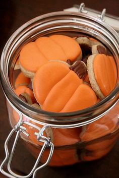 pumpkin cookies these would be fun to make with my little cousin!!
