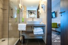www.dobryhotel.com; www.bazarsmakow.pl; www.sedan.pl; www.hotelunicus.pl; www.hotelgrandcru.pl; www.hotelbonum.pl; www.hotelarkonpark.pl; www.villaaqua.pl; www.rozanygaj.pl; www.qhotelwroclaw.pl