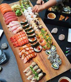 Sushi •