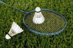 Searching for the best badminton rackets under 3000 Rs? Here we have listed top 5 best yonex and li ning badminton rackets under yonex and lining racquets are for intermediate and beginners. These badminton rackets are for smash also. Badminton Rules, Best Badminton Racket, Tennis Racket, Badminton Sport, Badminton Smash, Badminton Tournament, Garden Games, Backyard Games, Sport