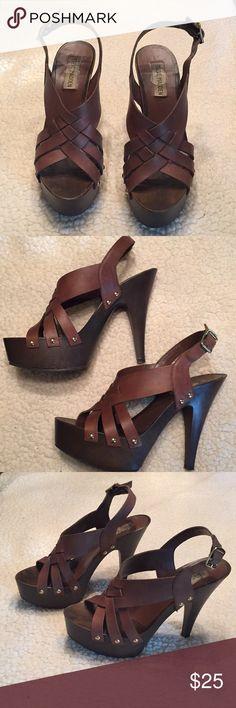 Steve Madden heel Dark brown heel with wood platform Steve Madden Shoes Heels