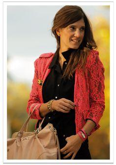 Aprovechando el color de la pulsera London 3V Flúor en rosa by MAR BCN, la guapa de Belén nos muestra una manera de darle un toque de color al outfit Total Black, no os encanta??? consíguela en:  http://www.marbcnshop.com/es/pulseras/51-pulsera-london-3v-fluor.html