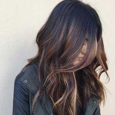 FacebookTwitterGoogle+Pinterest NavegaçãoÉ possível ter mechasno cabelo preto? Por que é tão difícil?Quais os tipos de reflexoexistentes?LuzesBalayageBaby highlightsOmbré hairProcure um profissional de confiançaFaça o teste da nuca antesNão espere luzes muito claras logo na primeira vezNão faça se tiver um cabelo com químicaGaranta a manutenção para um resultado bonitoTire todas as suas dúvidas sobre cabelos pretos …