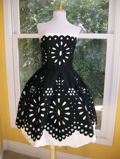 dress. Hehehe @Jennifer Whitney. Doesn't this look like a huge version of my skirt. If only it was in GREEN and then I could wear pink tights. HAHAHAHA.