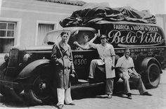 Biscoitos Bela Vista – São Paulo Antiga Vintage Market, Old City, Once Upon A Time, Vintage Photos, Brazil, Classic Cars, Monster Trucks, Nostalgia, Black And White
