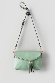 Montreal Zipper Crossbody