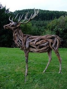 Halloween style!! Cool outdoor artwork sculpture! Imagine a trio of these in a commercial garden setting or by a restaurant or hotel!